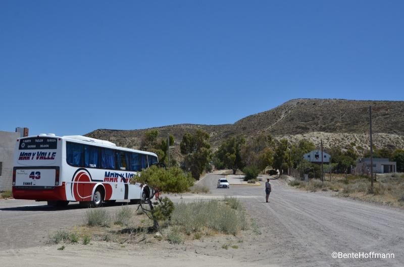 Bussen til Puerto Madryn på 'busstationen' i Puerto Pirámides